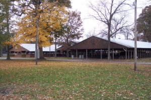 LIVESTOCK BARNS & HORSE FACILITIES